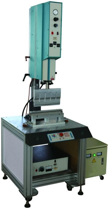 1320 × 650 × 1600mm ECO Filter Machine , Cabin Filter Ultrasonic Welding Machine